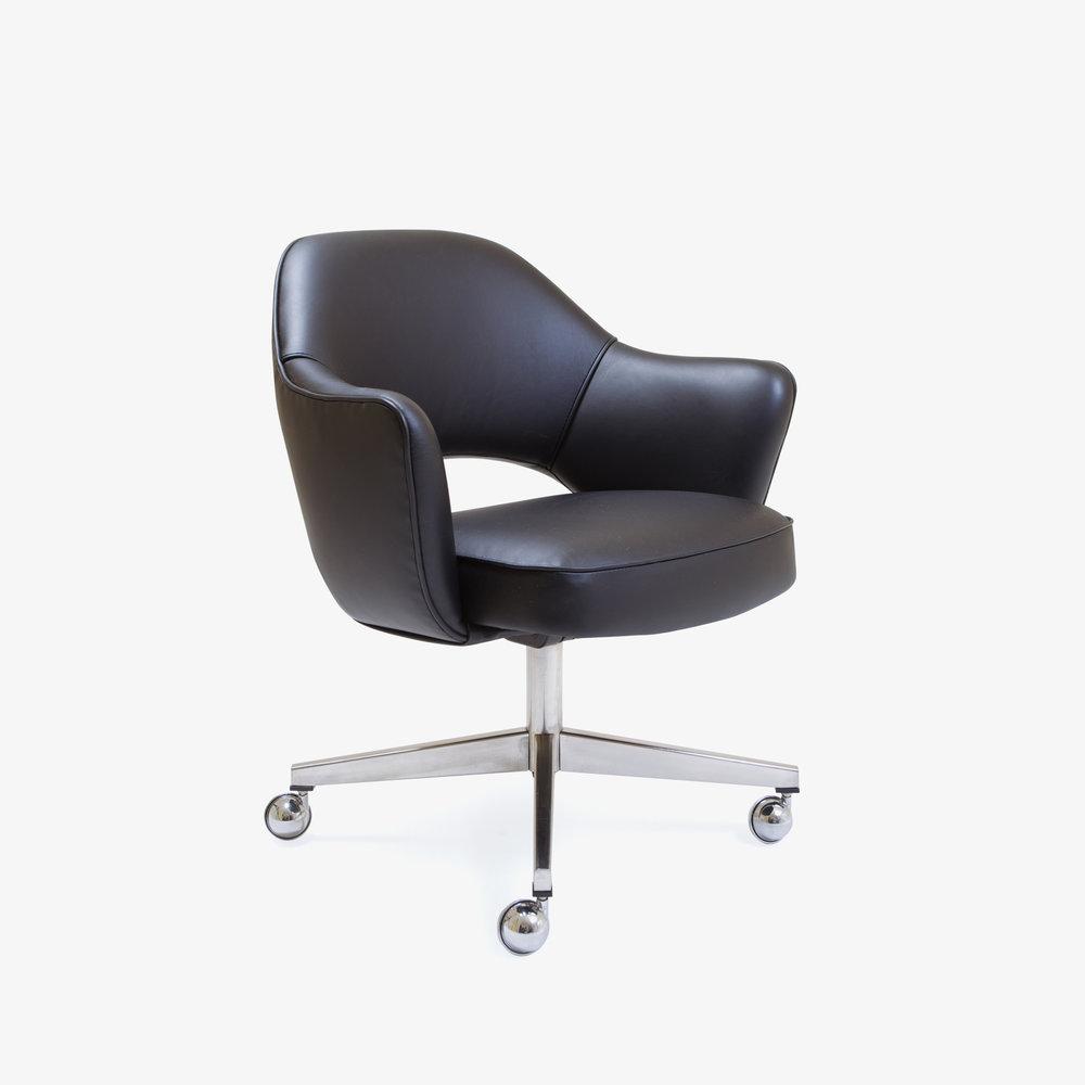 Saarinen Executive Arm Chair with Swivel Base in Black Leather.jpg
