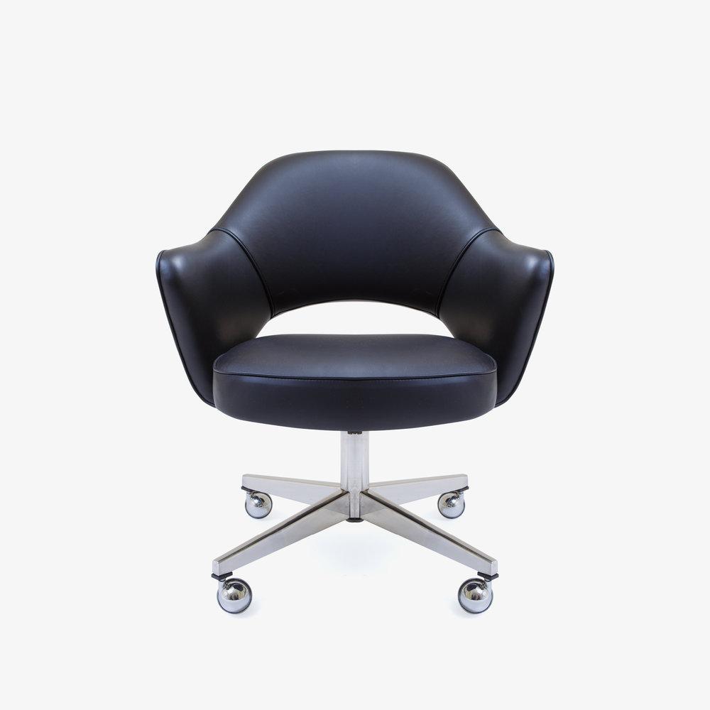 Saarinen Executive Arm Chair with Swivel Base in Black Leather2.jpg