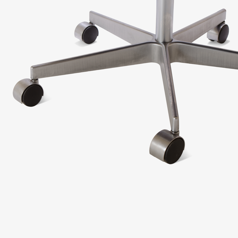 Oxford Chair by Arne Jacobsen for Fritz Hansen9.png