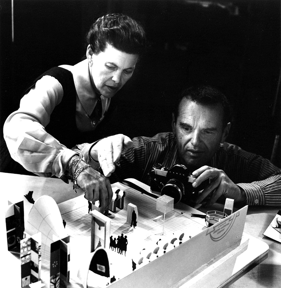 CR_CRp006_Charles-and-Ray-Eames_Model_Camera_web.jpg