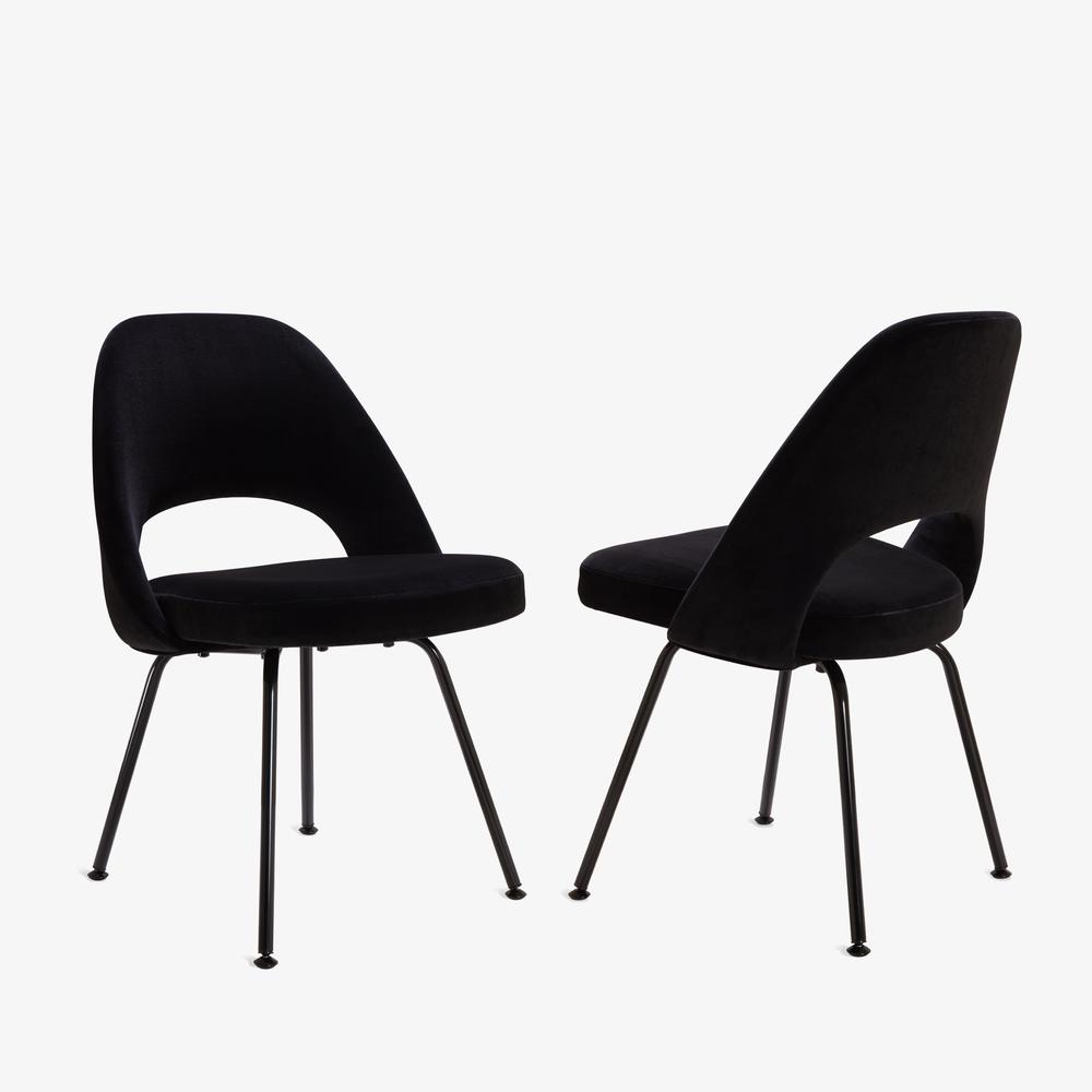 Saarinen Executive Armless Chair, Black Edition2.png