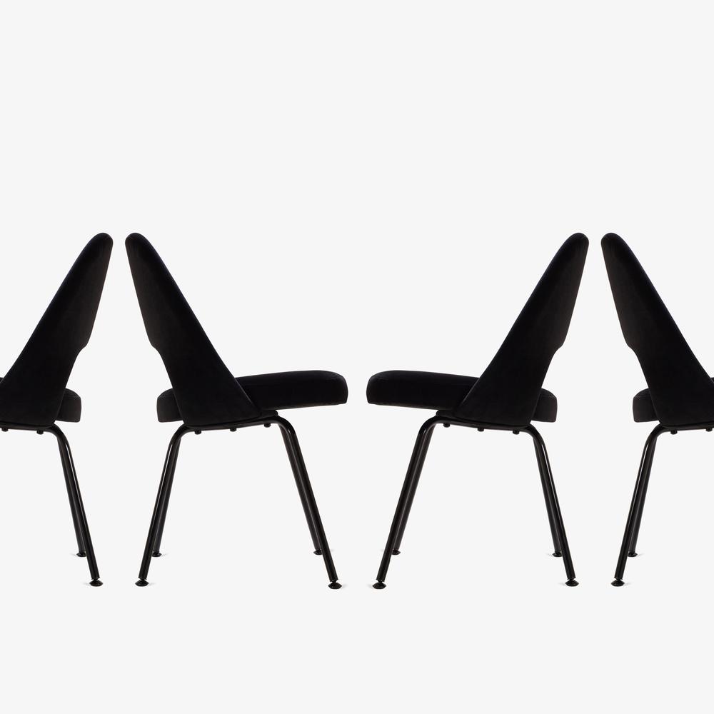 Saarinen Executive Armless Chair, Black Edition3.png