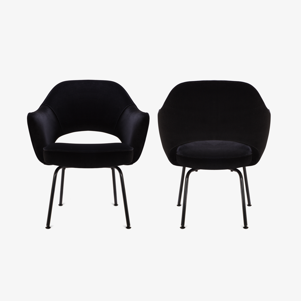 Saarinen Executive Arm Chair, Black Edition2.png