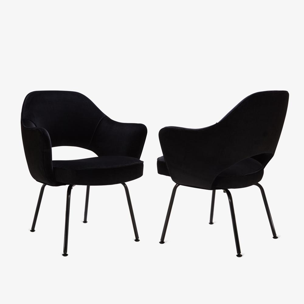 Saarinen Executive Arm Chair, Black Edition5.png