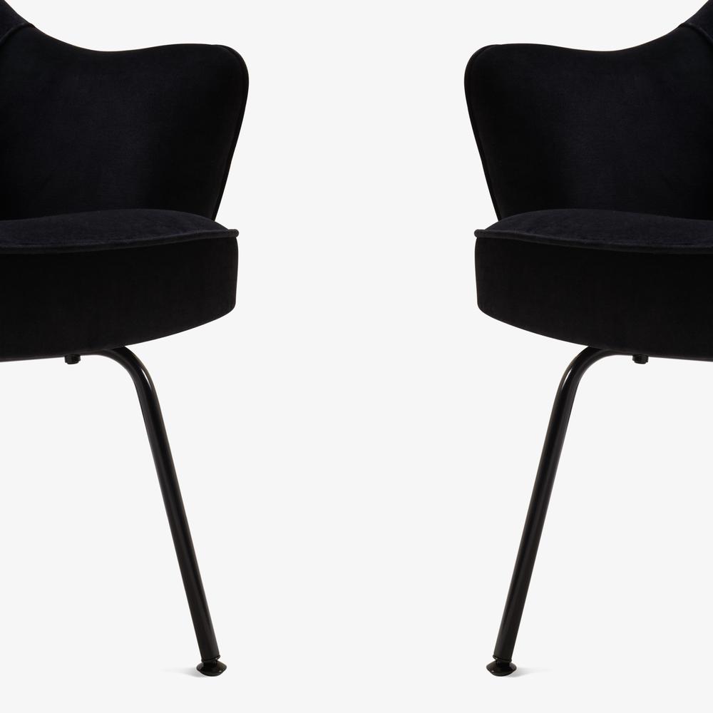 Saarinen Executive Arm Chair, Black Edition6.png
