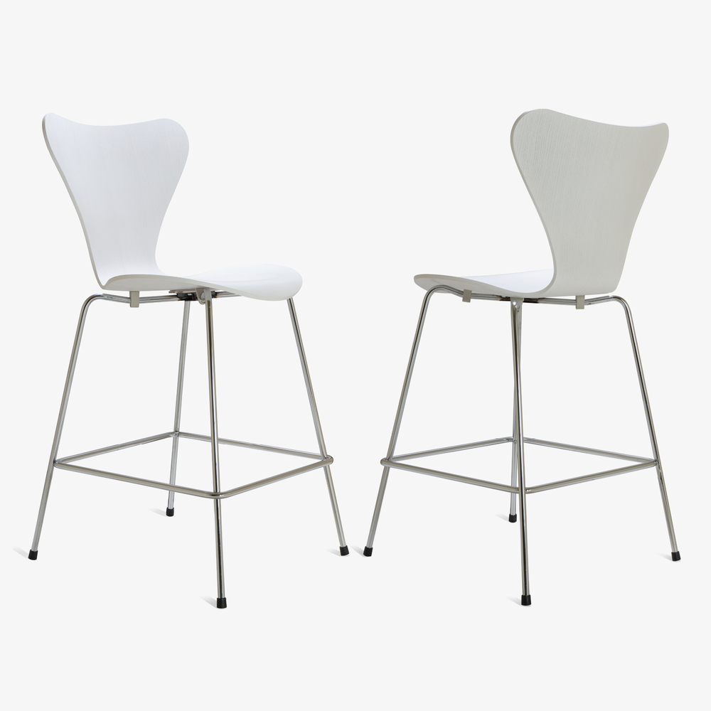 Series 7 Counter Stools in White Ash by Arne Jacobsen for Fritz Hansen, Set of 103.png