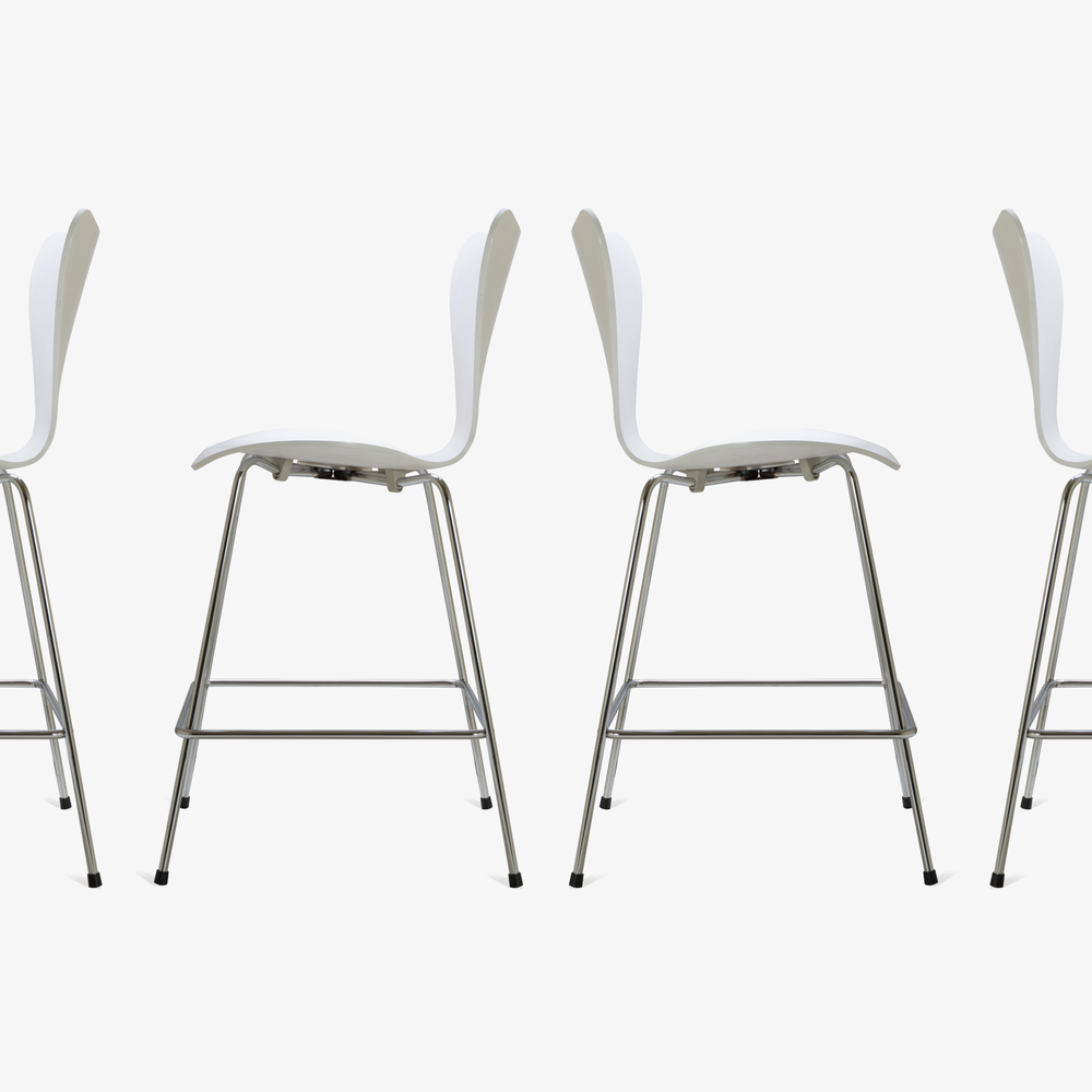 Series 7 Counter Stools in White Ash by Arne Jacobsen for Fritz Hansen, Set of 104.png