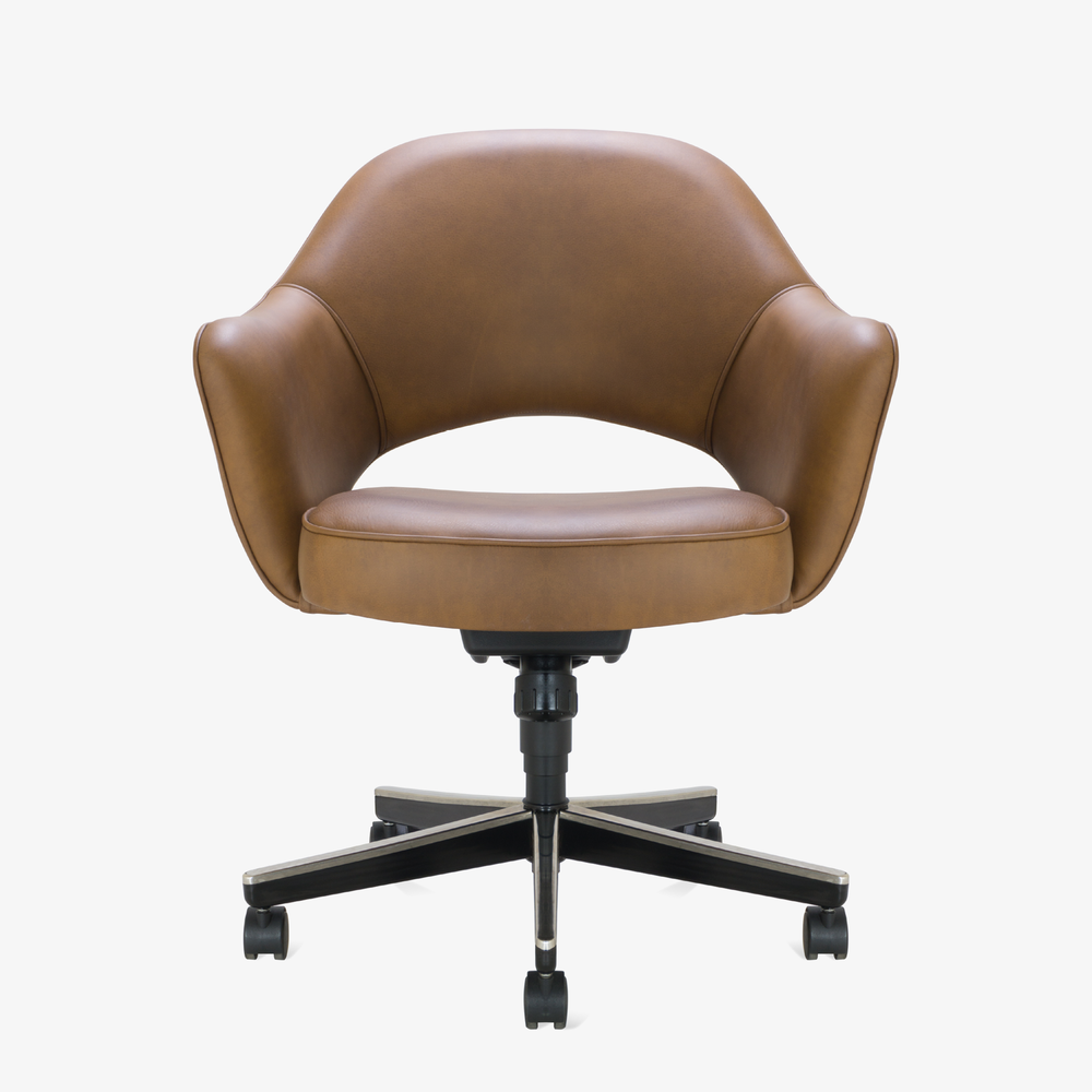 Saarinen Executive Arm Chair in Saddle Leather, Swivel Base.png