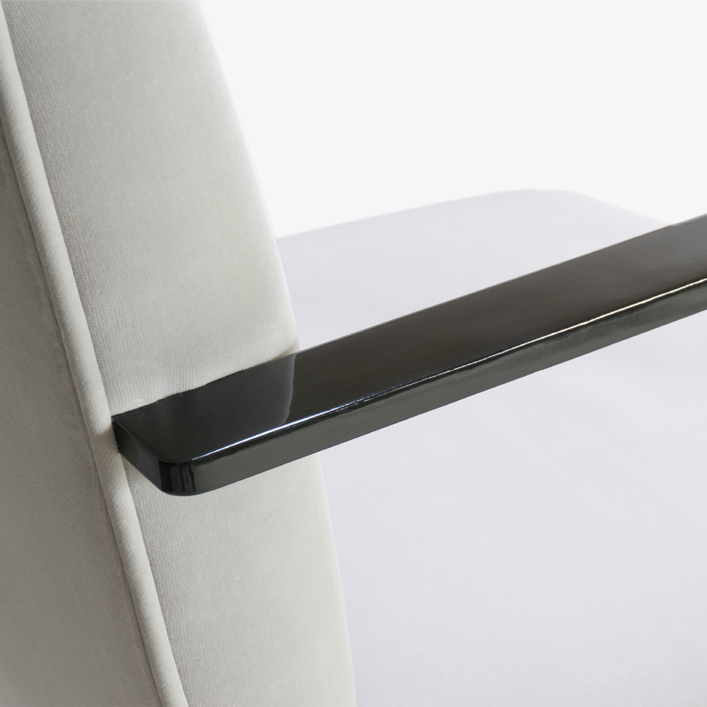 Brno Flat-Bar Chair in Dove Velvet, Obsidian Gloss8.png