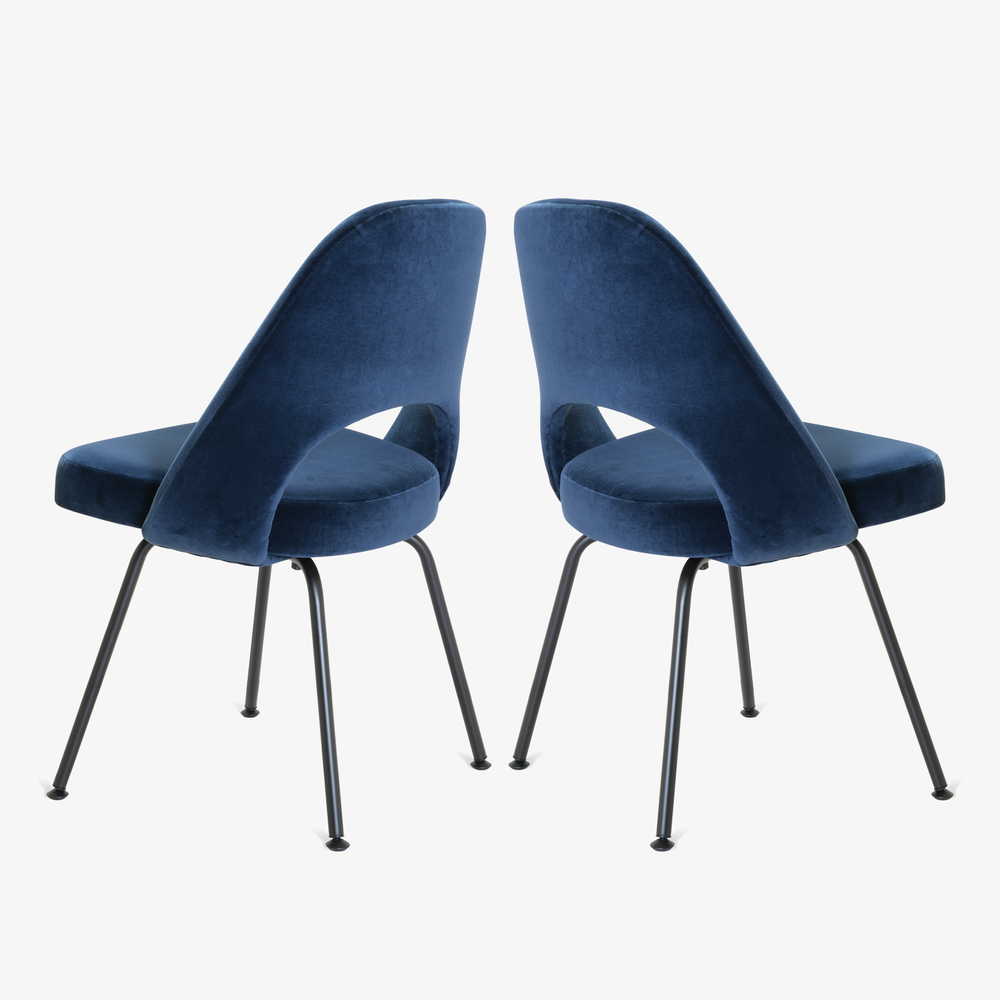 Saarinen Executive Armless Chairs in Navy Velvet, Black Edition4.png