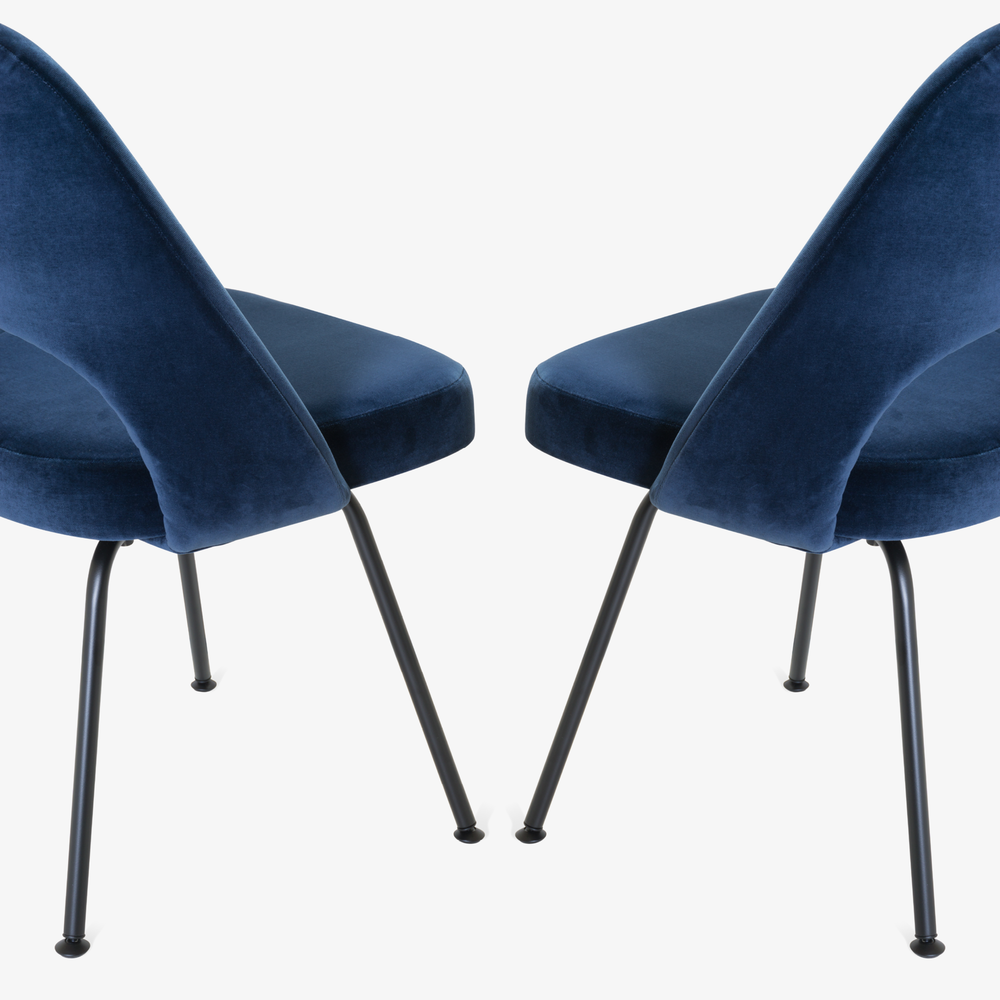 Saarinen Executive Armless Chairs in Navy Velvet, Black Edition9.png