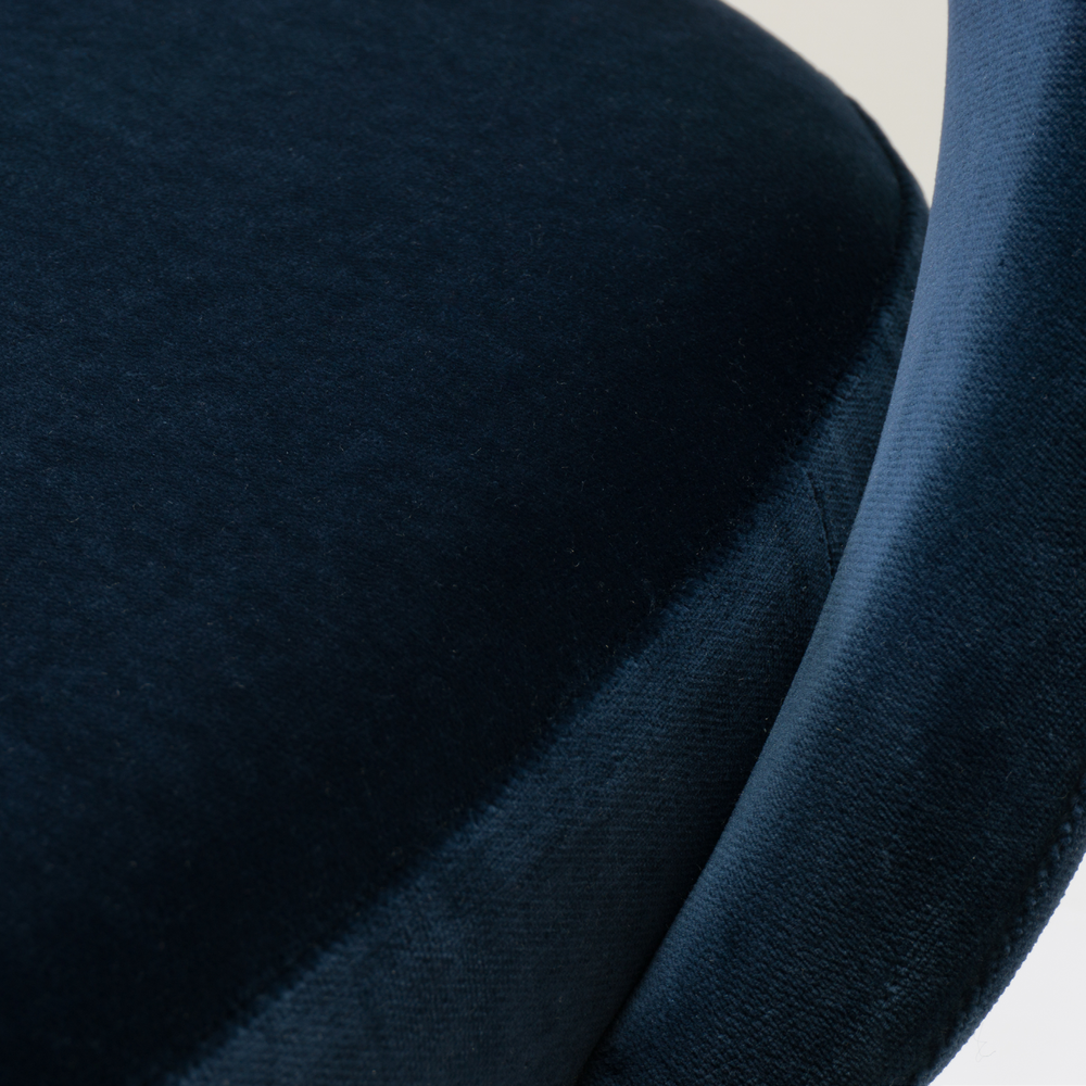 Saarinen Executive Armless Chairs in Navy Velvet, Black Edition11.png