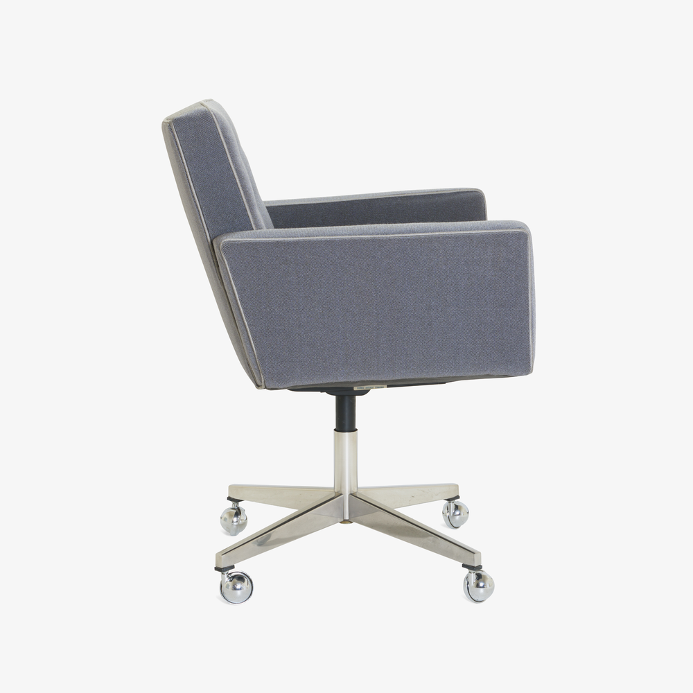Executive Chair in Vintage KnollTextiles by Vincent Cafiero for Knoll3.png