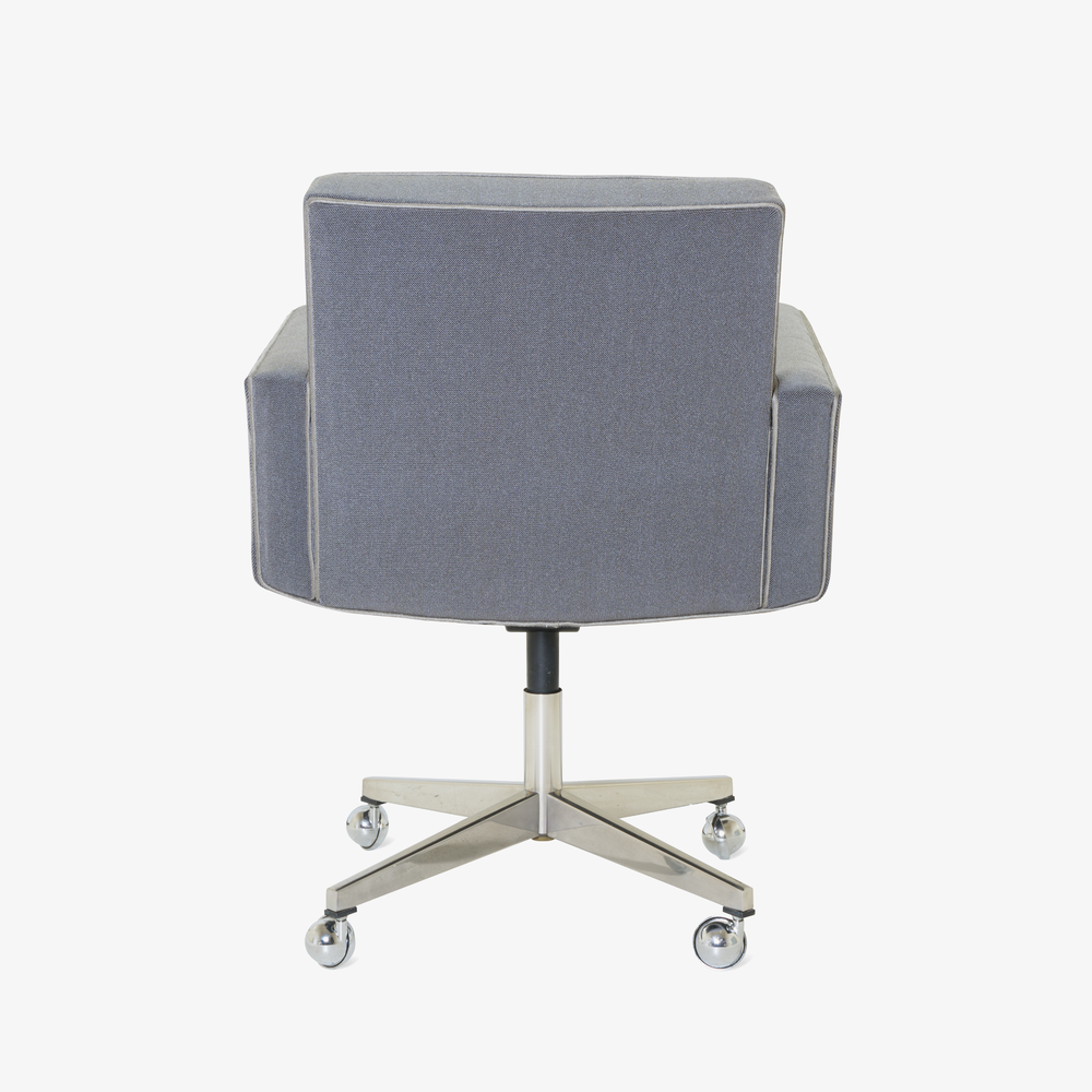 Executive Chair in Vintage KnollTextiles by Vincent Cafiero for Knoll5.png