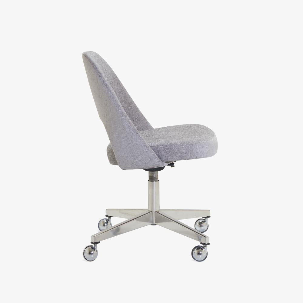 Saarinen Executive Armless Chair in Maddison Bouclé, Swivel Base2.png