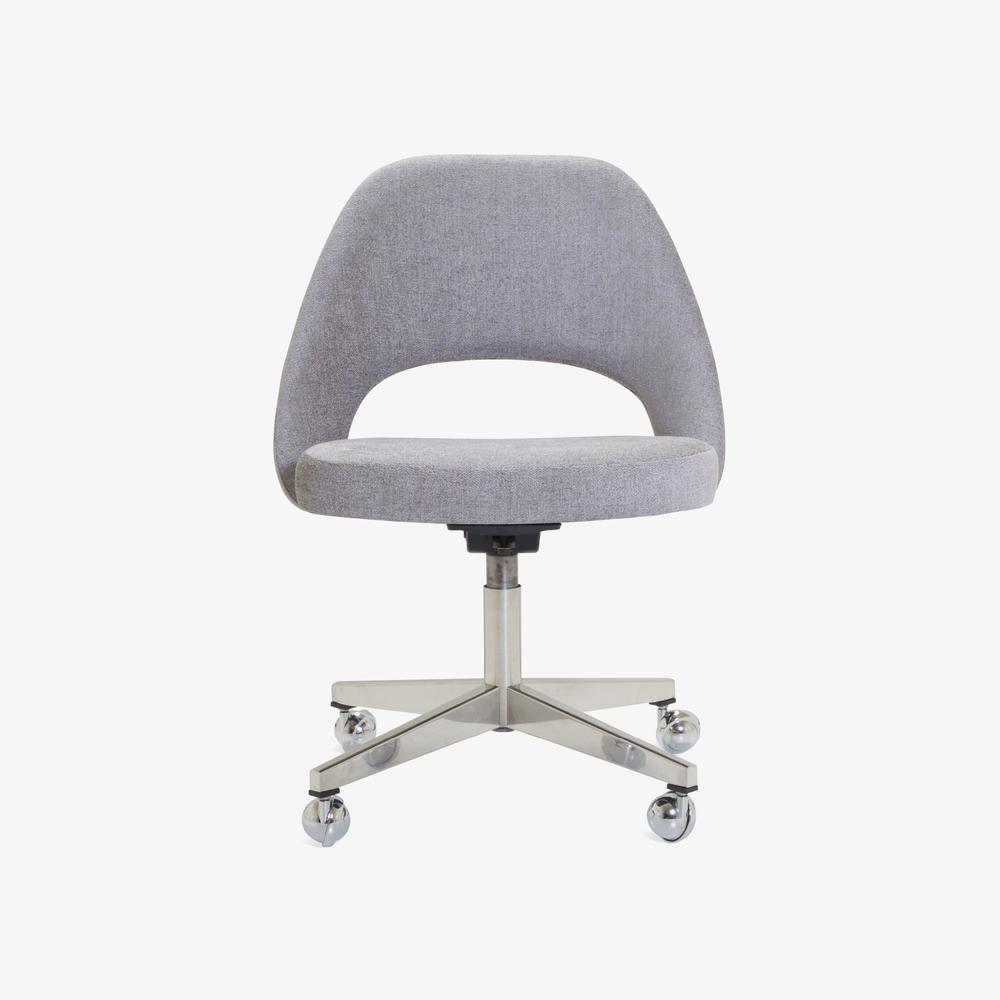 Saarinen Executive Armless Chair in Maddison Bouclé, Swivel Base3.png