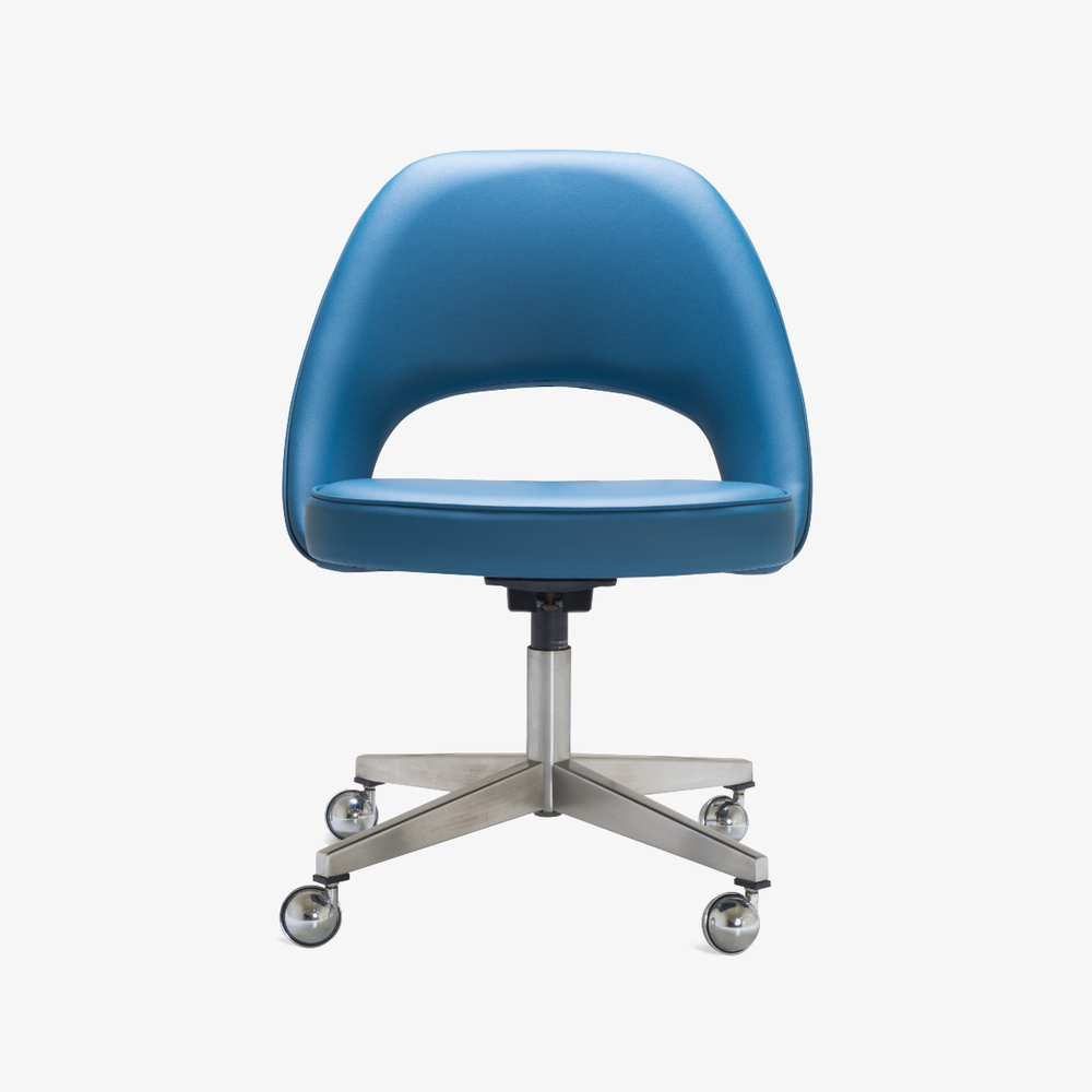 Saarinen Executive Armless Chair in Pelle Faux Leather, Swivel Base4.png