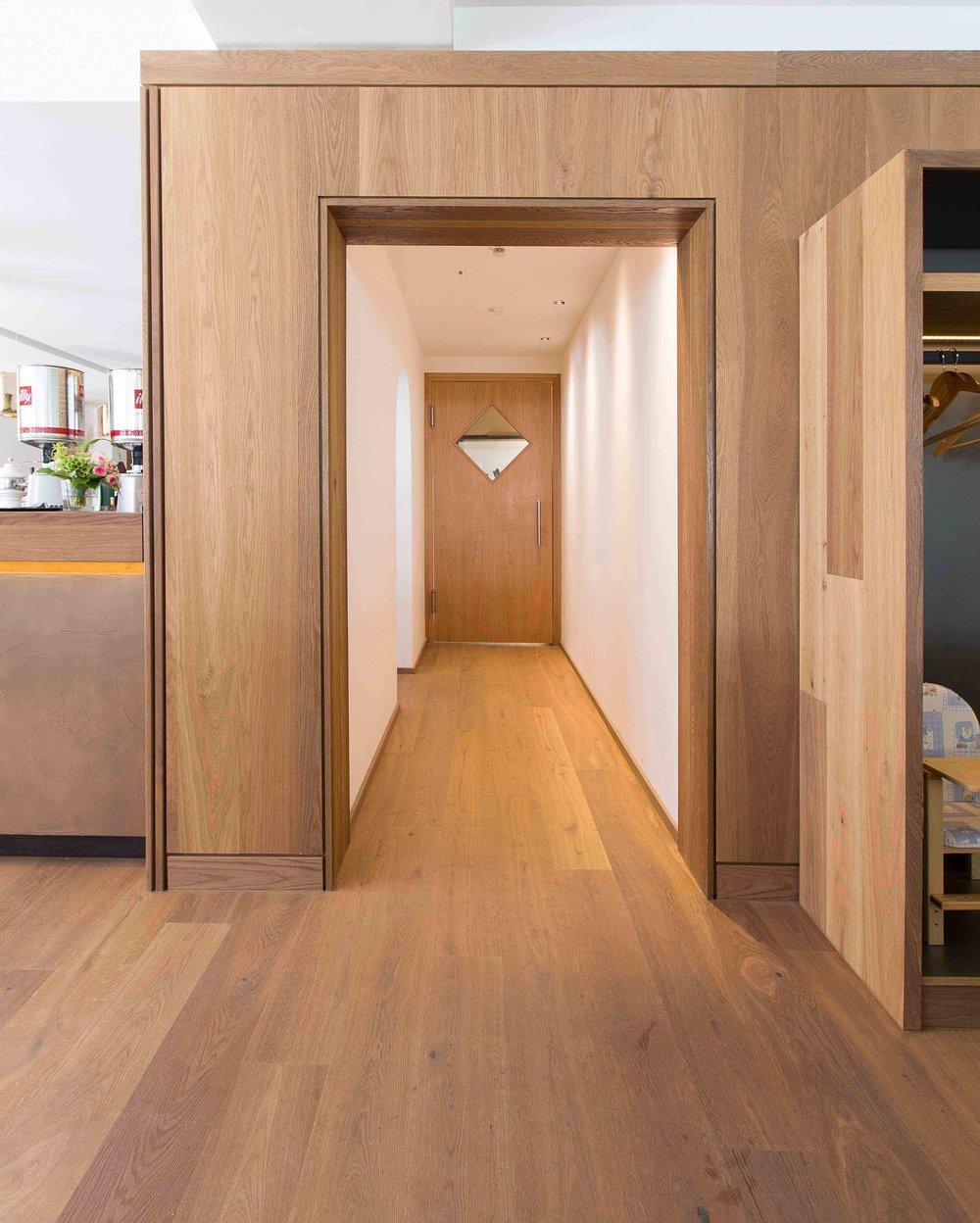 Hotel_Graseck_-_Eiche_Lapis_45.jpg