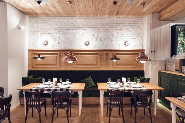 Bayerisches-Restaurant-Althaus-Polen-PB-Studio-Architektur-und-Design-Wohn-DesignTrend-01.jpg