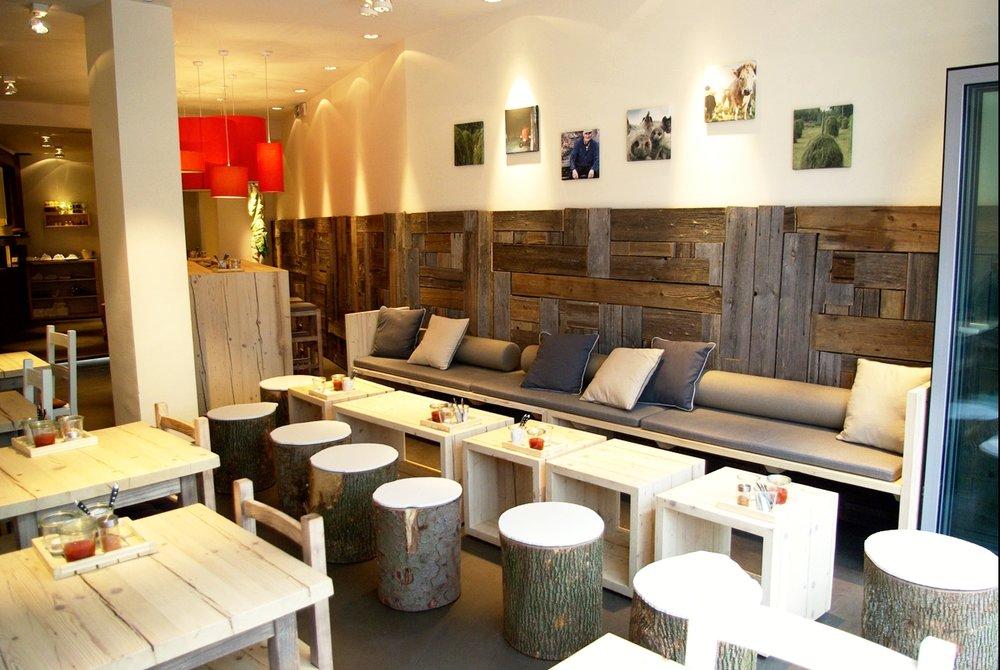 gastronomie-restaurantausbau-altholz-edelstahl-c.jpg