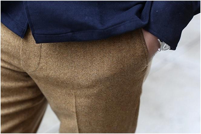 Pantalon en tweed Donegal (= laine cardée): à privilégier en hiver aussi. Autant vous dire qu'un pantalon comme celui-ci, je n'en croise pas tous les jours.