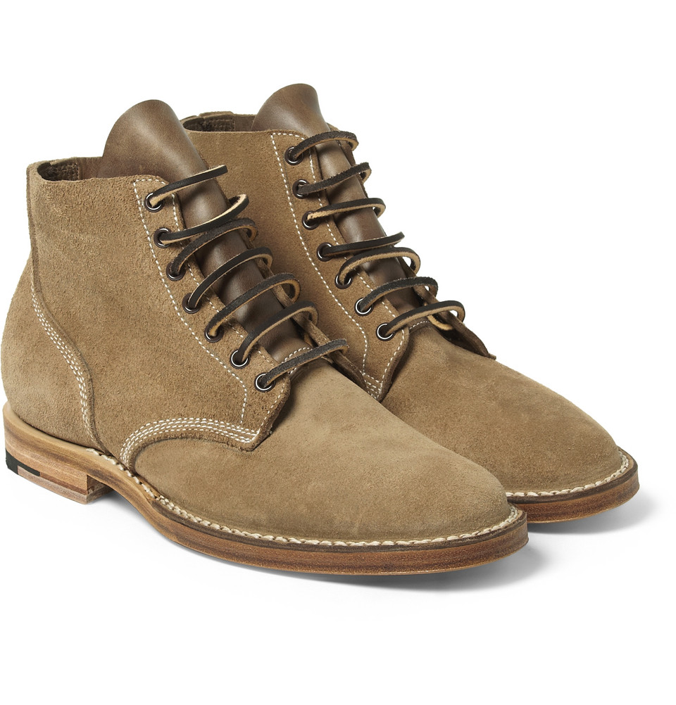 The 'Boondocker' is Viberg's take on the standard issue WWII US Marine boot original military crafted from natural aniline Chromexcel leather, sourced from Horween tannery. The toe box has been left.jpg