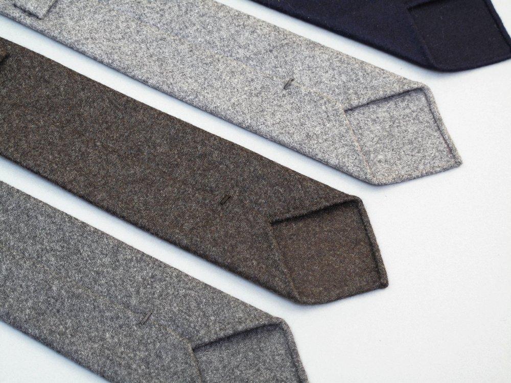 Les Indispensables Paris Tie Flannel