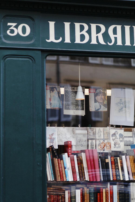 LIBRAIRIE PARIS VERSAILLES (14).jpg