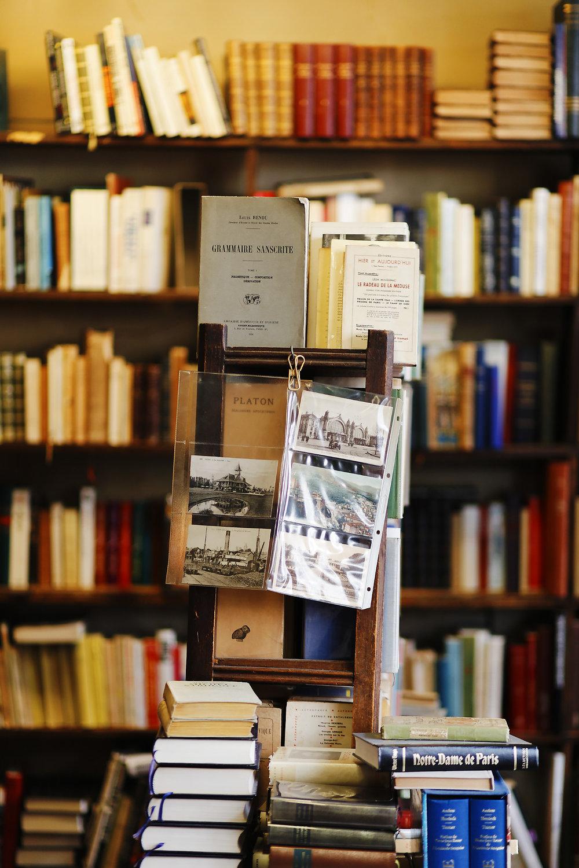 LIBRAIRIE PARIS VERSAILLES (8).jpg