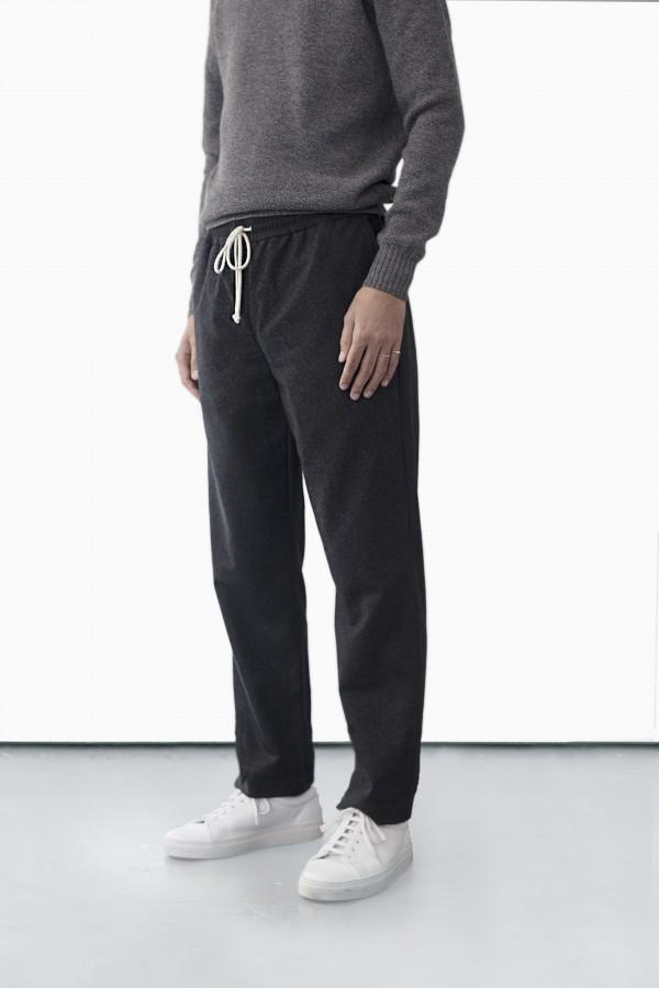 pantalon-a-taille-elastiquee de bonne facture 3.jpg