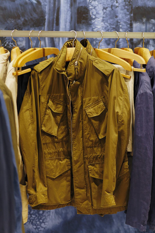 La fameuse Toronto jacket - Ici en taille S, 100% coton, non doublée, et de couleur kaki-marron-ocre