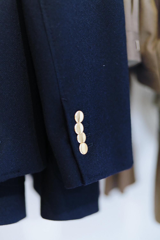 Husband, marque française réputée pour des costumes aliant matières anglaises et confection en Italie