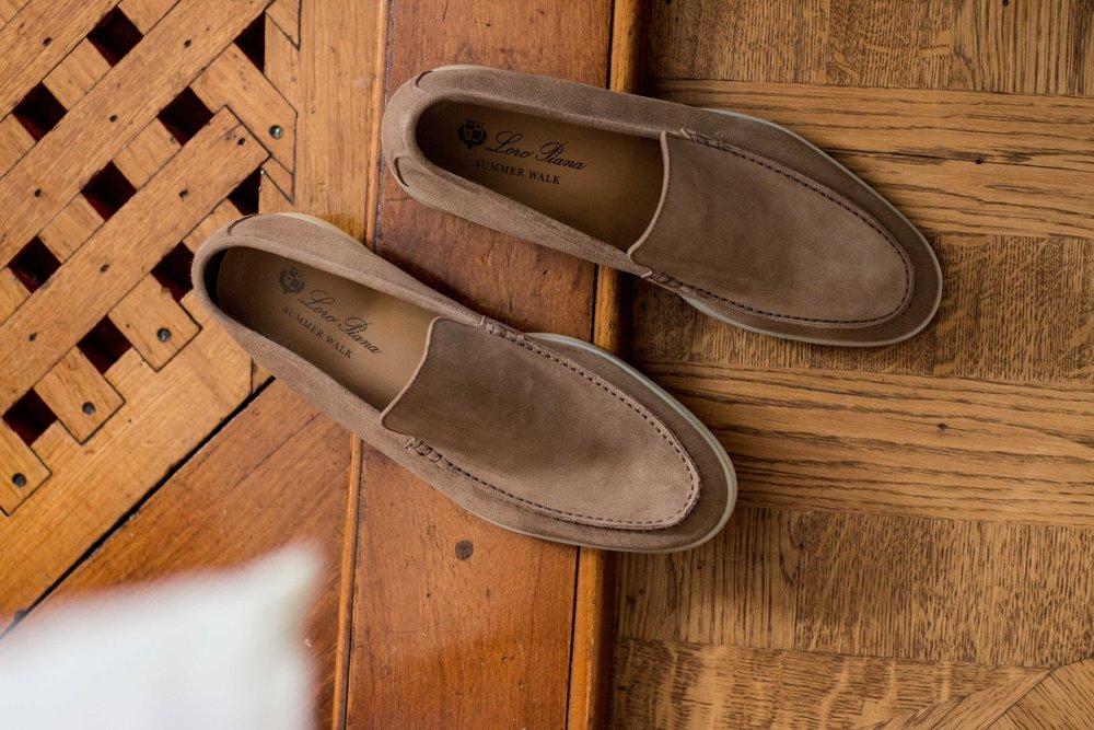 Les désormais célèbres mocassin de Loro Piana - Semelle flexible, confortable et blanche pour éviter de laisser des traces sur les voiliers/yatchs