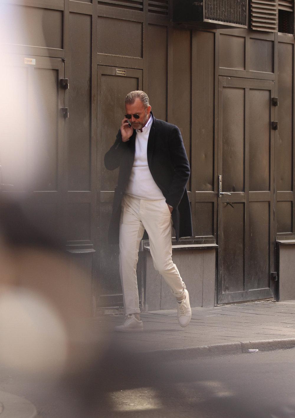 Manteau Loro Piana - Polo Sunspel - Pantalon Incotex - Lunettes The Bespoke Dudes