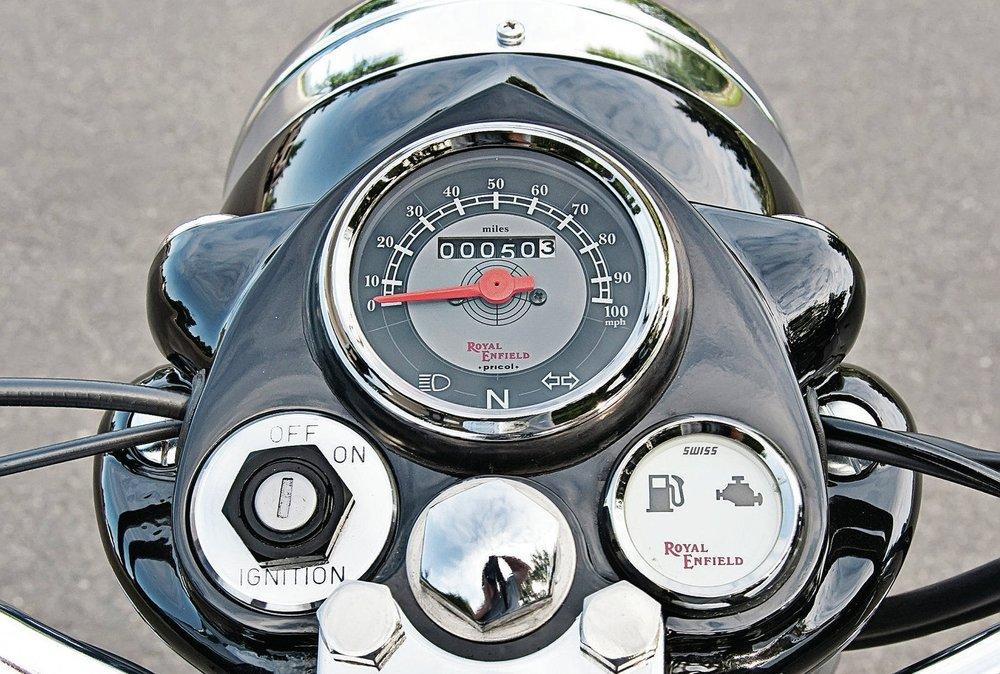 1202-crup-05-o+2011-royal-enfield-bullet-g5-deluxe+.jpg