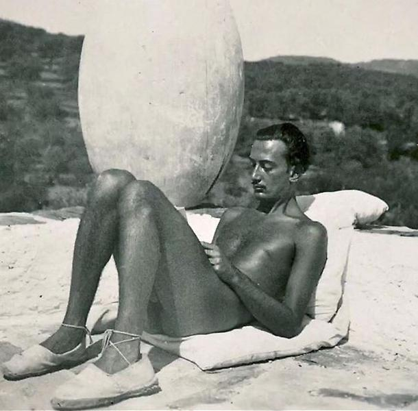 salvador-dali-espadrilles-summer-style-sunbathing-shoes.jpeg