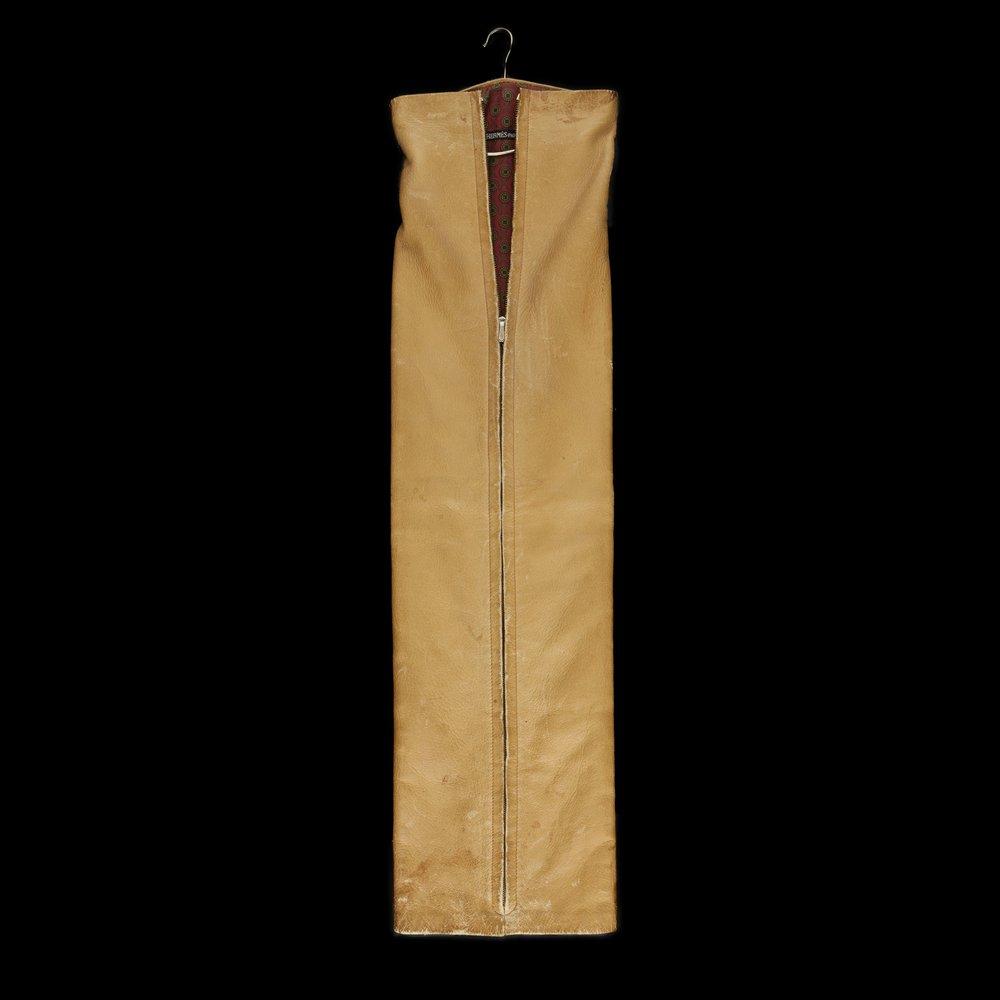 Housse de cravate provenant de chez Hermès