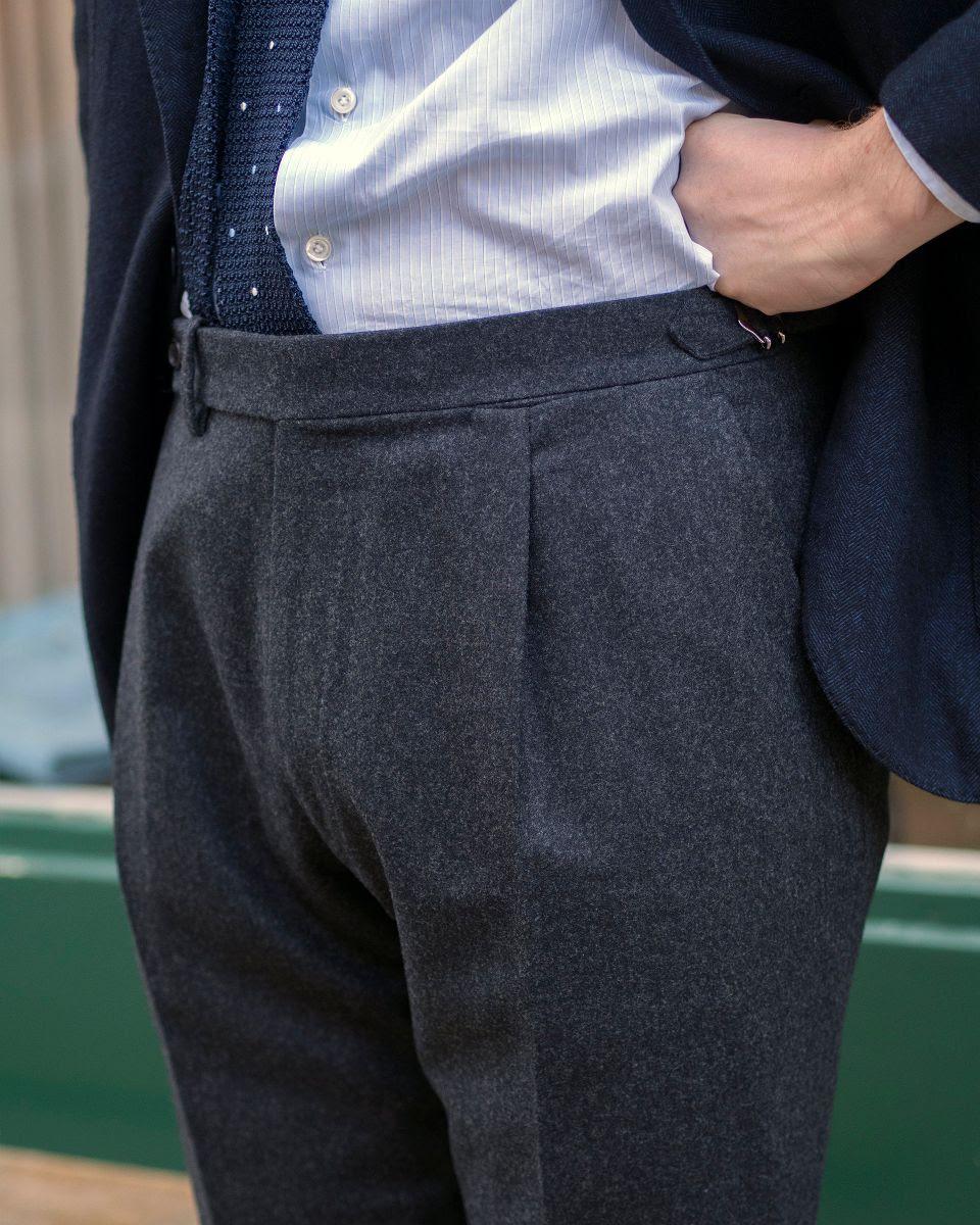Cravate de soie à pois en maille - Anglo-Italian