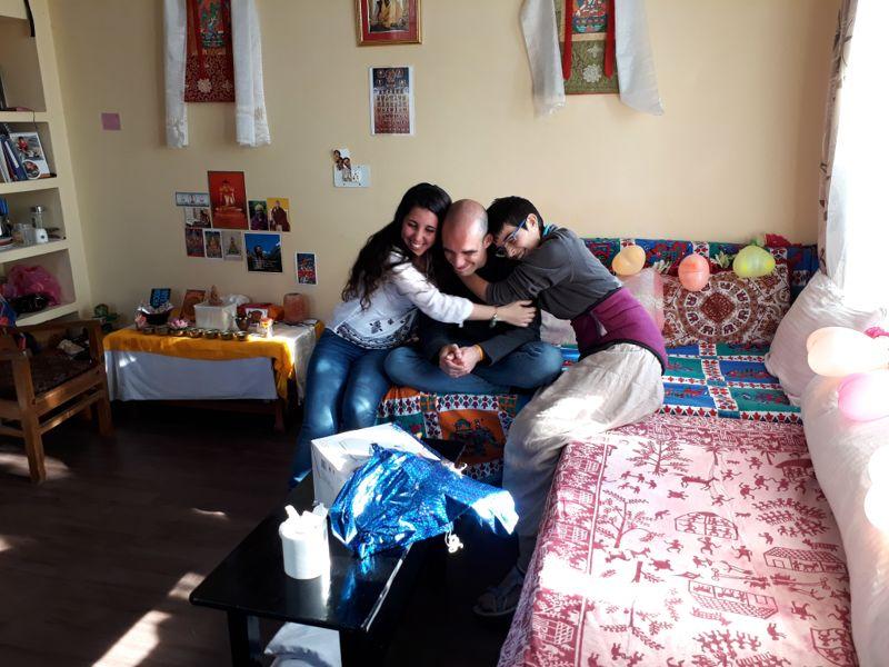 Abrazo de amor y gratitud hacia nuestro amigo-hermano Filippo