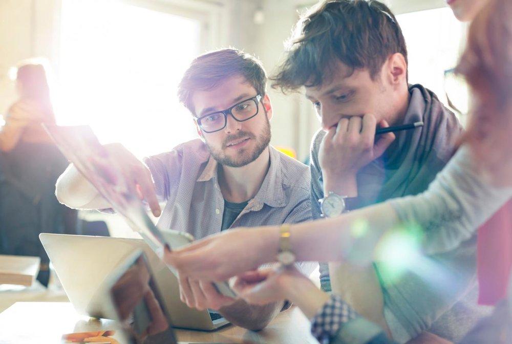 precisa de uma mão? - Alugue uma equipe sênior e especialista em nossa plataforma para criar produtos e soluções customizadas, em uma velocidade que você nunca viu, com o valor que cabe no seu orçamento.