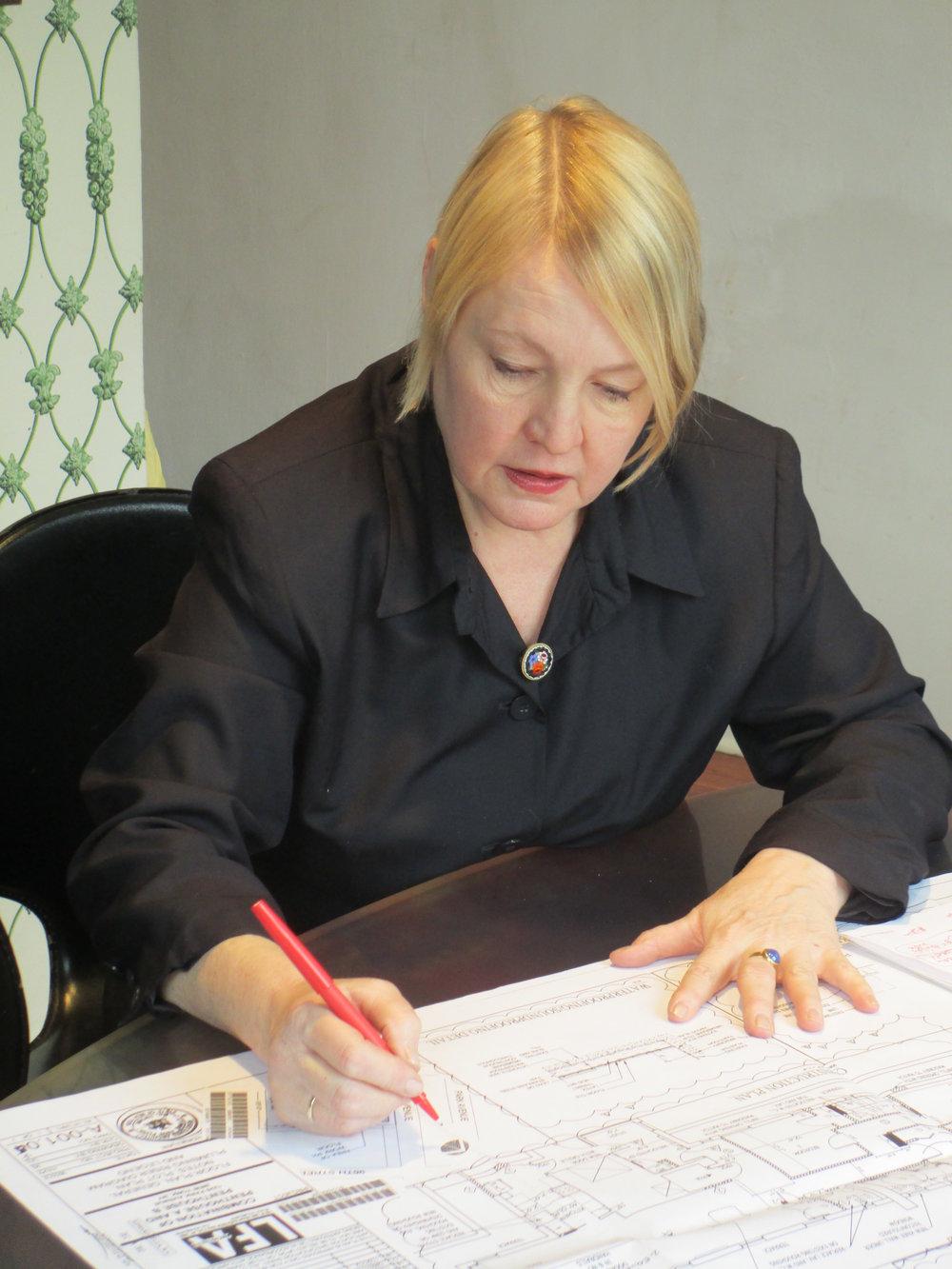 Pic of Lynne 2013.jpg