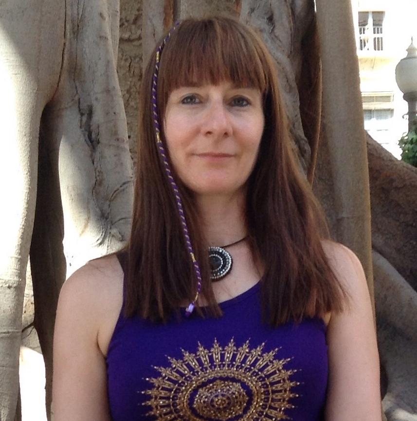 Sandra Kleppe Sandra Kleppe har 200-timers grunnutdanning i Virya yoga (dynamisk) fra Nordiske Yogainstitutet, samt fordypninger i Restorative yoga, Yoga for gravide, og Somatisk yoga. Hun har praktisert yoga siden 1980-tallet. Sandra har tidligere vært yogainstruktør i Stangehallen og ved Fønix CC Hamar. Hun er for tiden mest opptatt av hvordan yoga kan brukes mot stress.