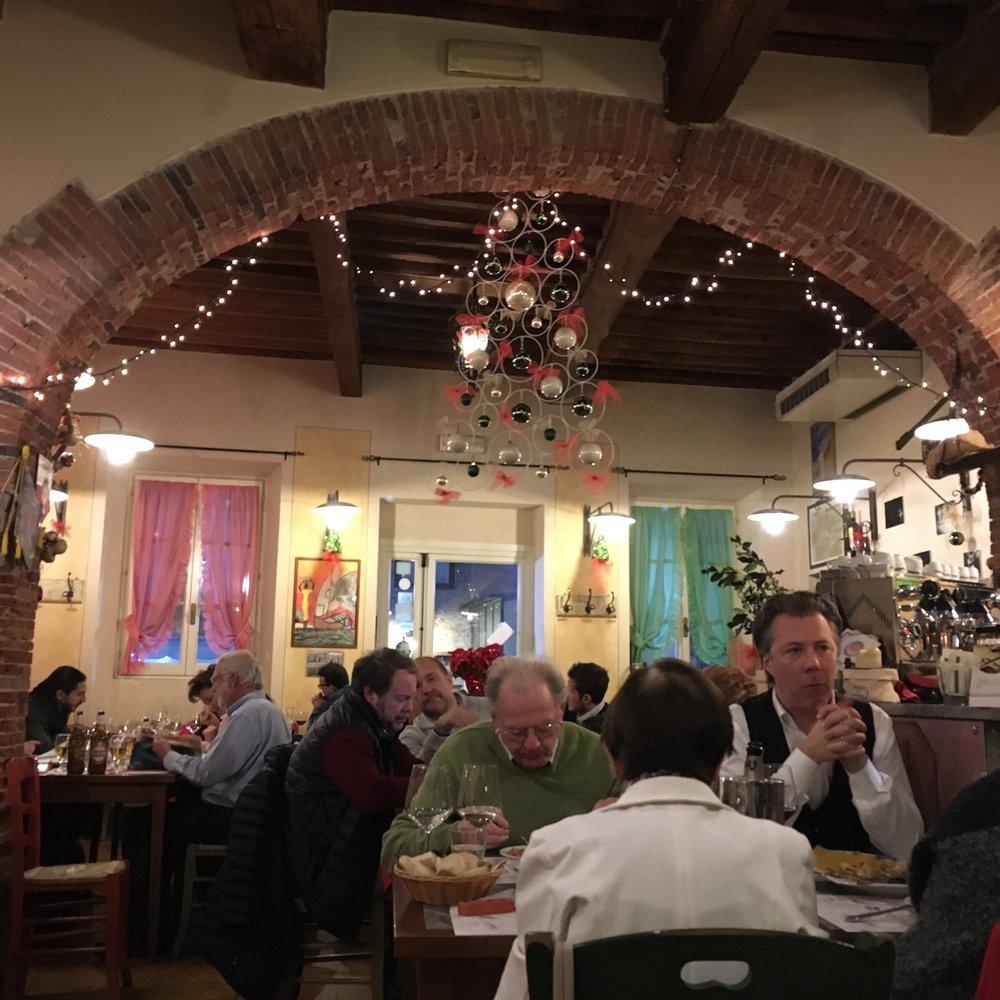 Osteria Via San Giorgio, Lucca, December 2016.