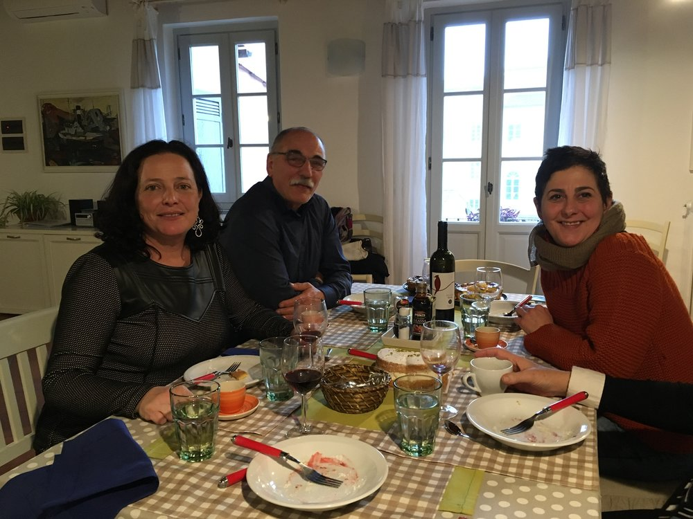The end of a lovely lunch with Daniela, Angelo and Eva, Lucca, January 2017.