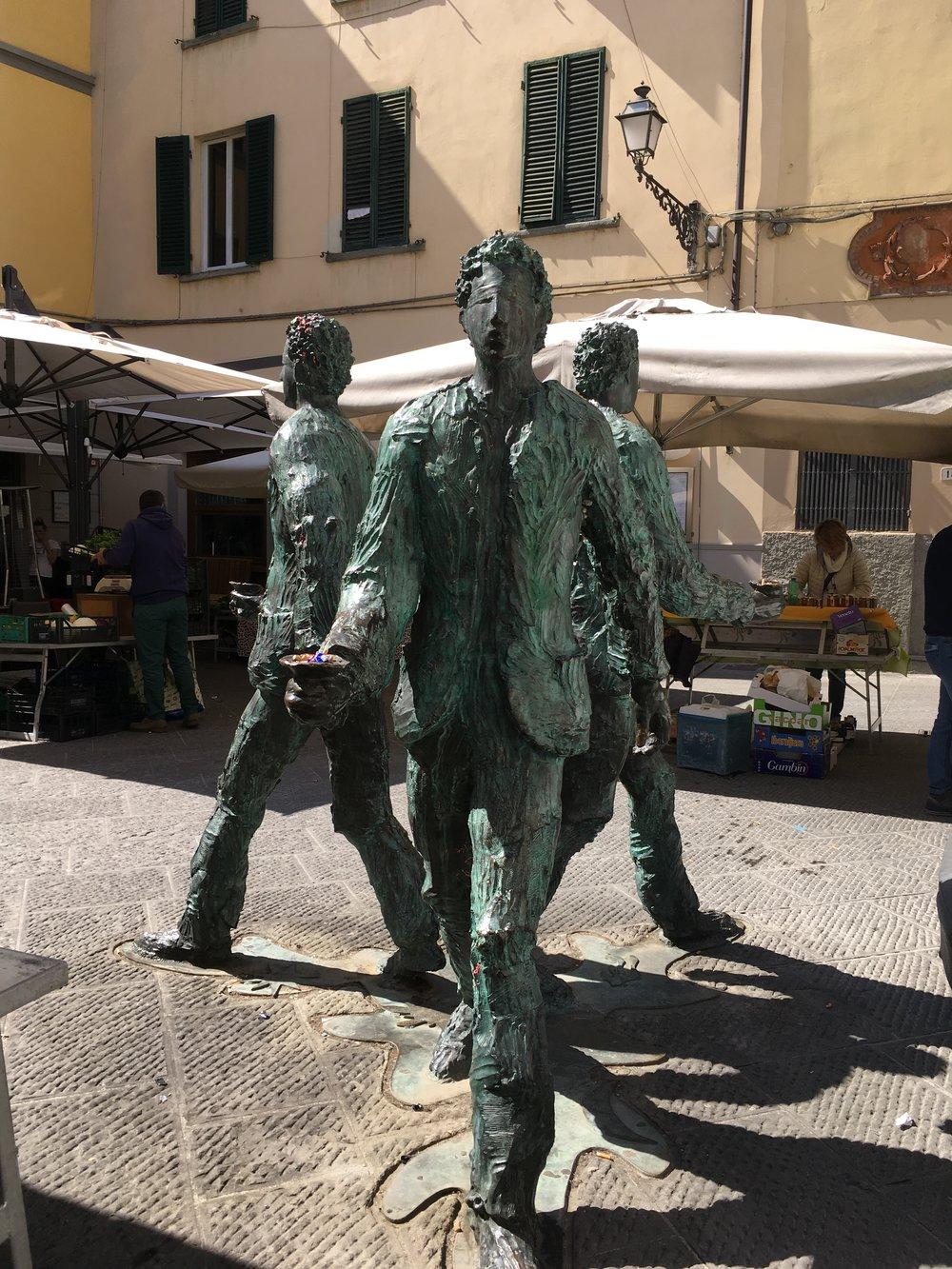 Giro del Sole sculpture In Piazzetta degli Ortaggi, Pistoia