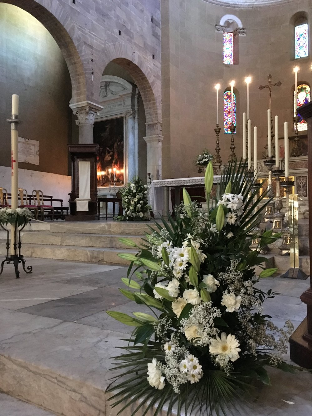 Basilica of San Frediano, Lucca, ready for the Easter service.