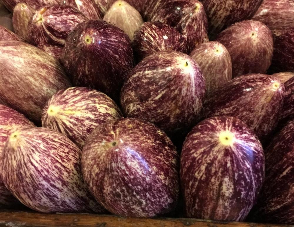 Colorful eggplant at the Ortofrutta.