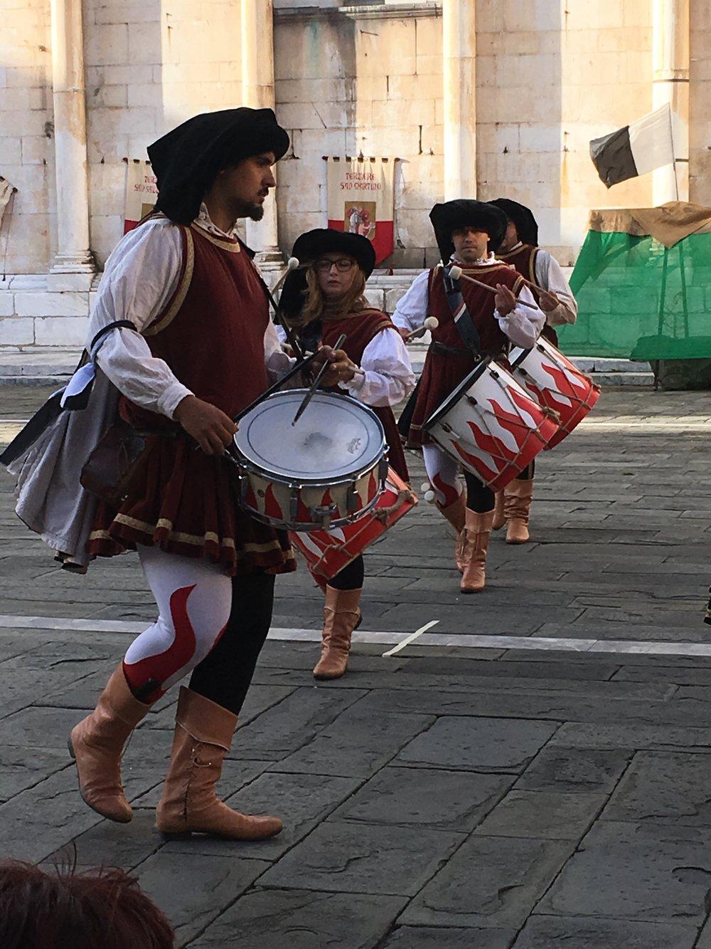 I  batteristi  (the drummers)