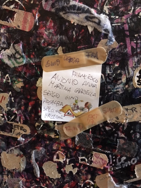 One of many notes left on the wall of Juliet's courtyard.