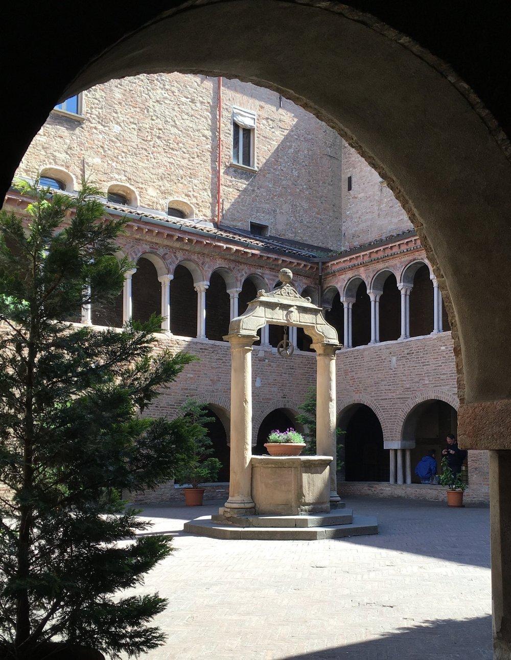 Cloister, Santo Stefano, Bologna